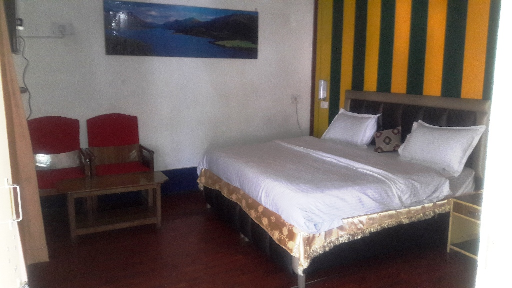 Deluxe Room, Mayur Hotel And Restaurant (pure Veg.) - Budget Hotels in Lansdowne