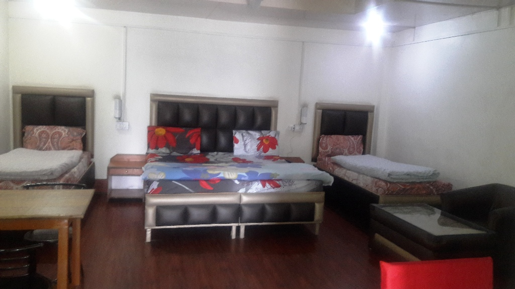 4 Bedded Room, Mayur Hotel And Restaurant (pure Veg.) - Budget Hotels in Lansdowne