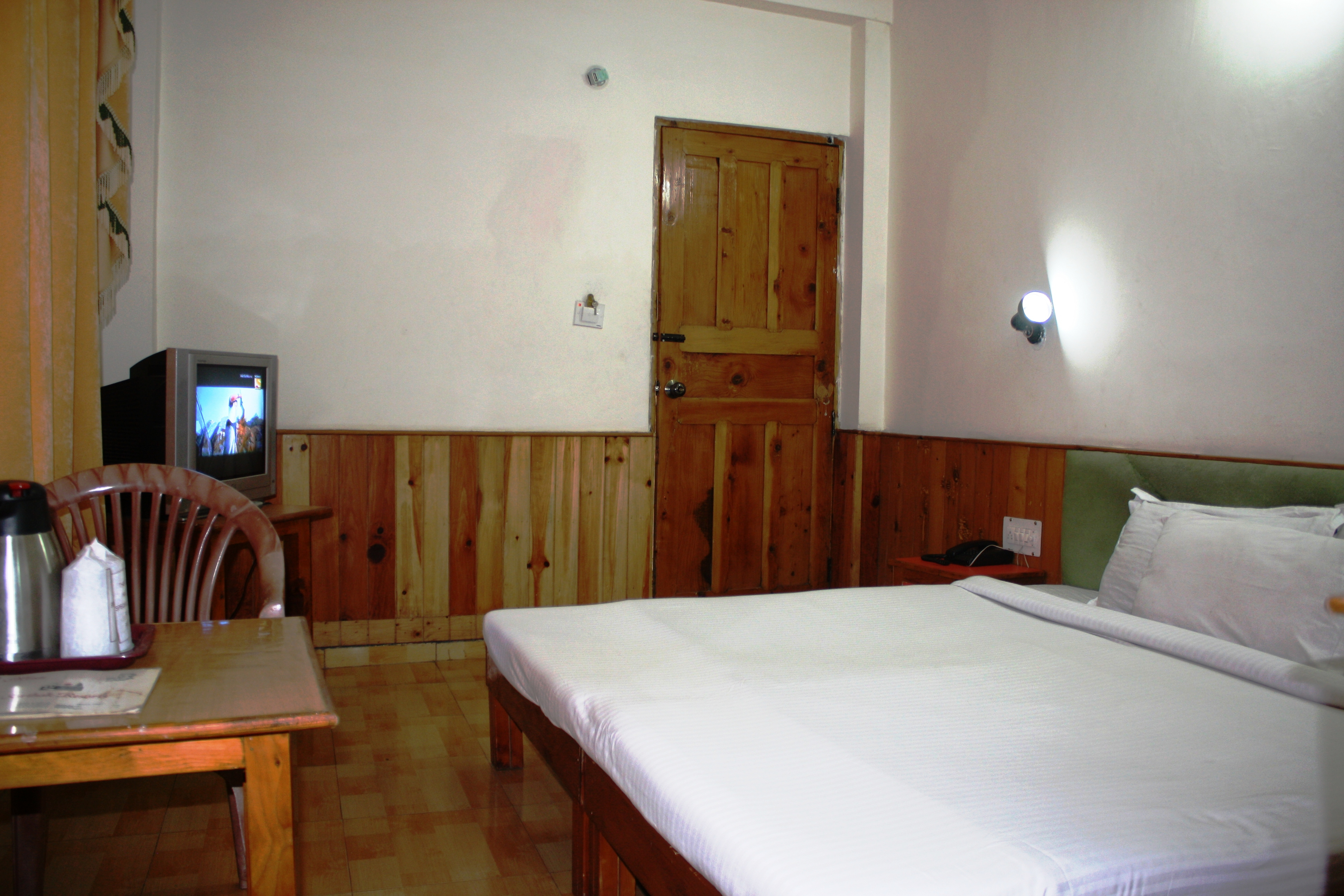 Standard Room Non View (CP), SARTHAK RESORTS KHAKHNAL( MANALI) - Budget Hotels in Manali