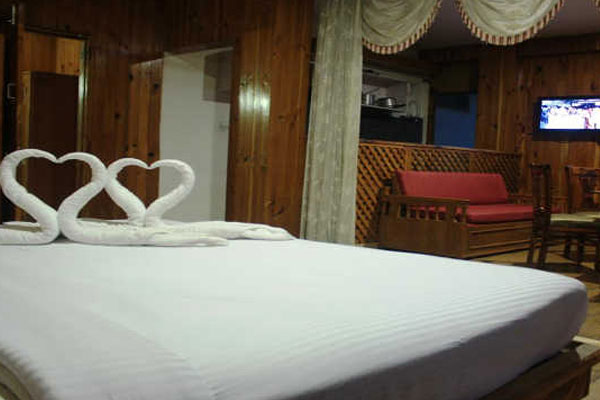 Honeymoon  Volvo Package, SARTHAK RESORTS KHAKHNAL( MANALI) - Budget Hotels in Manali