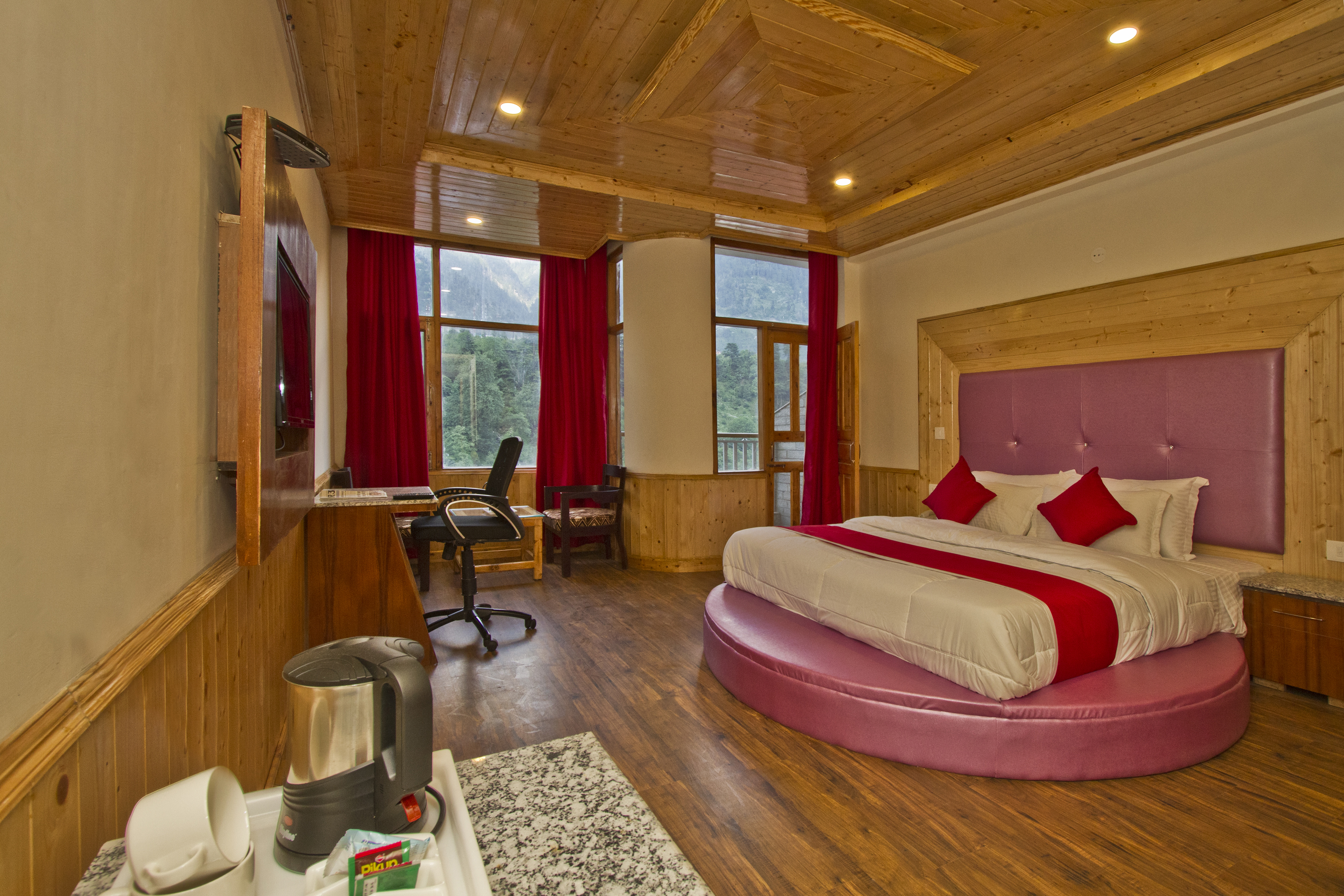 Premium Room River View with Balcony EP, Sarthak Regency (A Centrally Heated And  Air Cooled) - Budget Hotels in Manali