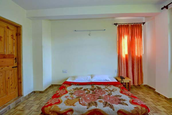 Standard Room Valley View with Balcony, Sarthak Bed And Breakfast - Budget Hotels in Manali