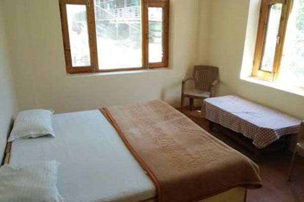 Deluxe Room, BHOOMI HOLIDAY HOMES MANALI - Budget Hotels in Manali