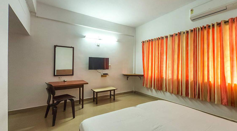 Air conditioned Double Room, HOTEL SURYA MANGALORE - Budget Hotels in Mangalore