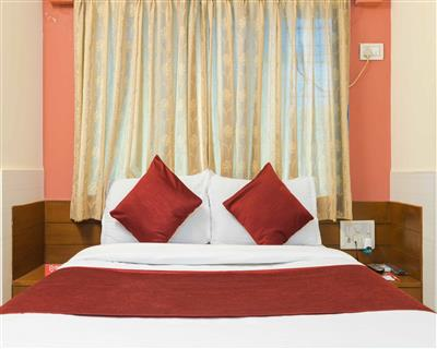 AC Standard  Room on CP, Hotel Arma Court - Budget Hotels in Mumbai