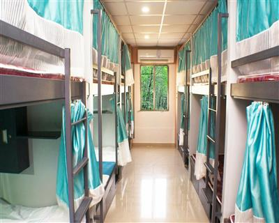 Freshen up& Early Check In 1 Hour only, ARMA HOSTEL (QUBE STAY) - Budget Hotels in Mumbai