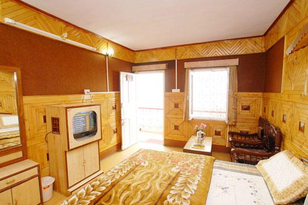 Deluxe Room(Mountain view), HOTEL VIKRANT NAINITAL - Budget Hotels in Nainital
