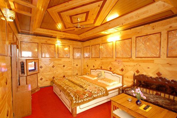 Super Deluxe Room(Lake view floor), HOTEL VIKRANT NAINITAL - Budget Hotels in Nainital