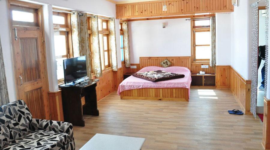 Super Deluxe Room, HOTEL SARA NARKANDA - Budget Hotels in Narkanda