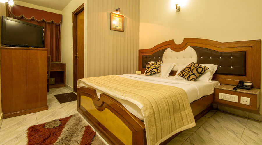 Superior Room, HOTEL C PARK INN - Budget Hotels in New Delhi