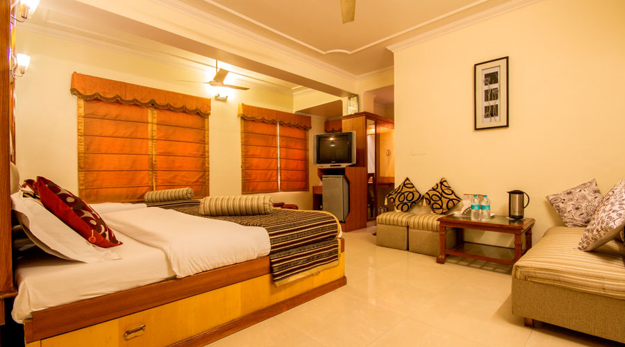 Family Room, HOTEL C PARK INN - Budget Hotels in New Delhi