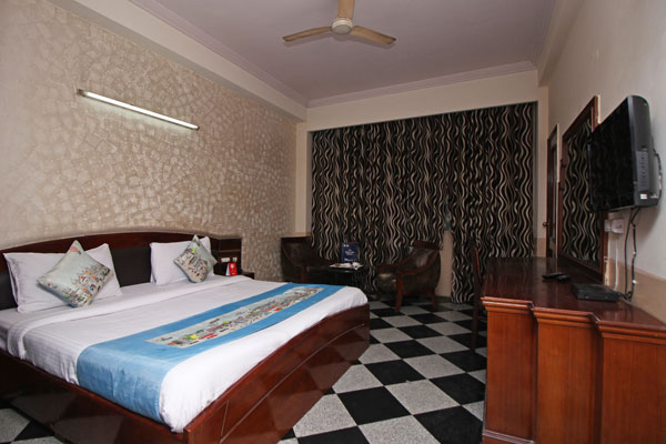 Executive Family Room with Breakfast,                                     HOTEL ORCHID GARDEN - Budget Hotels in New Delhi
