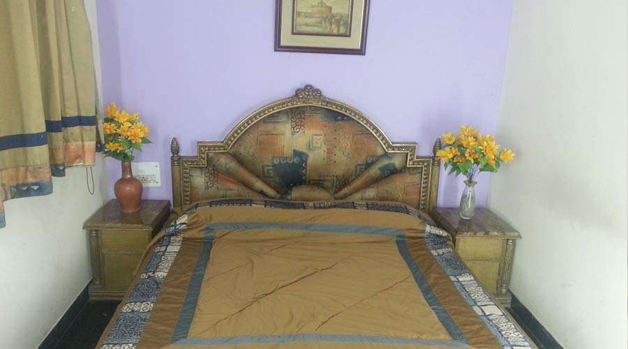 Double Non AC Room, HOTEL SUNSHINE - Budget Hotels in New Delhi