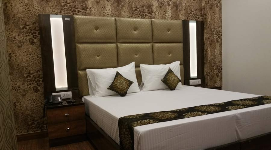 Deluxe AC Room, HOTEL SUNSTAR HERITAGE - Budget Hotels in New Delhi