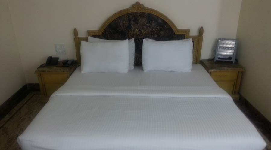 Executive Room, HOTEL SUNSTAR RESIDENCY - Budget Hotels in New Delhi