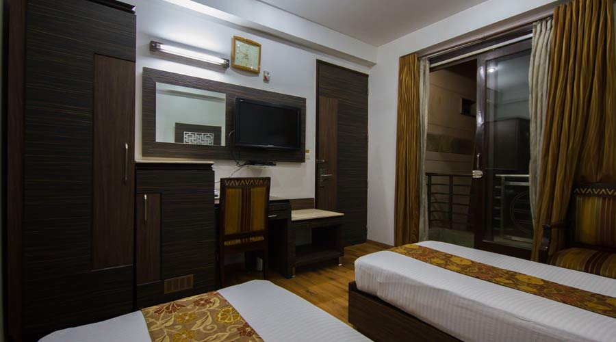 Executive Room, HOTEL SUNSTAR HEIGHTS - Budget Hotels in New Delhi