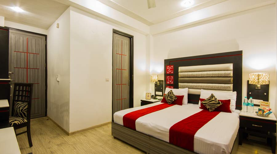 Executive Room, HOTEL SUNCOURT CORPORATE - Budget Hotels in New Delhi
