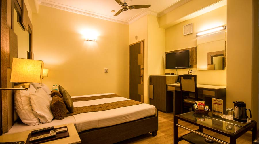 Deluxe Room, THE SUNCOURT HOTEL YATRI - Budget Hotels in New Delhi