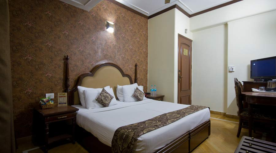 Deluxe Room, HOTEL SUNSTAR GRAND - Budget Hotels in New Delhi