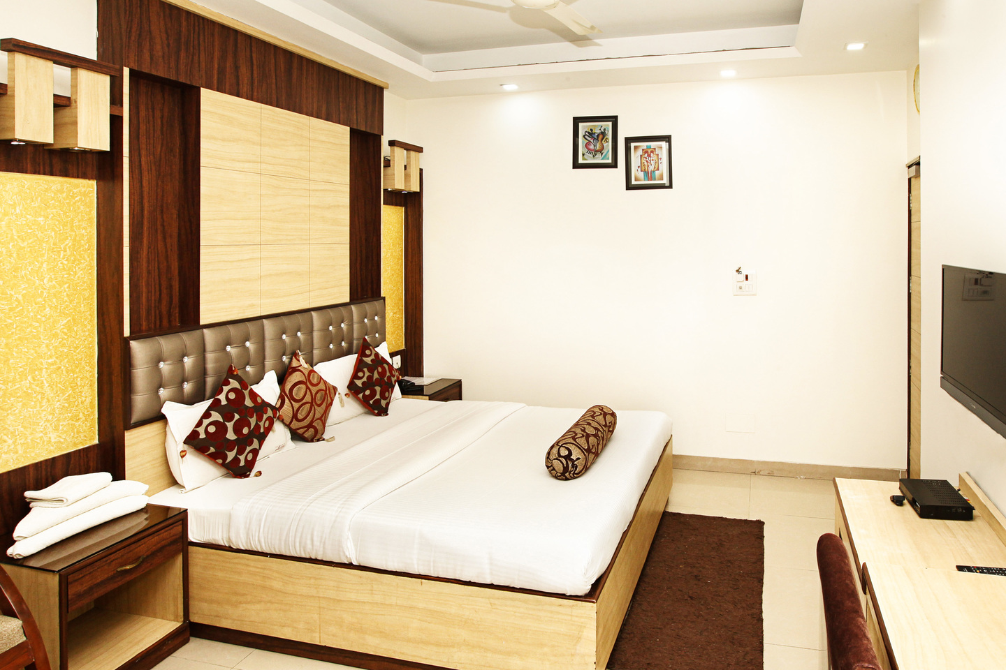 Standard Room, HOTEL ASTER INN - Budget Hotels in New Delhi