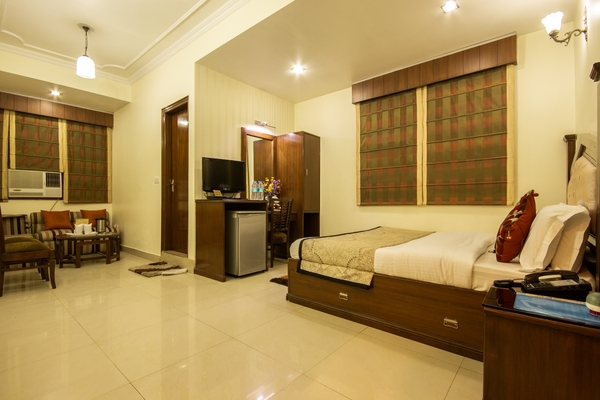 Deluxe AC Room, Hotel Grand Park Inn - Budget Hotels in New Delhi