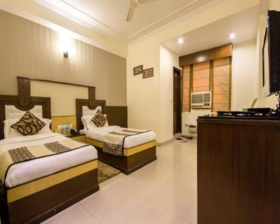 Superior Room, Hotel Grand Park Inn - Budget Hotels in New Delhi
