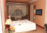 Honey moon suite Room, ASTORIA RESIDENCY OOTY - Budget Hotels in Ooty