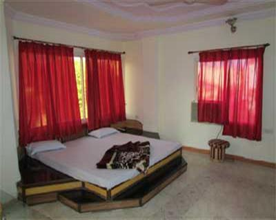 Honeymoon Suite AC Room, HOTEL PARK VIEW PACHMARHI - Budget Hotels in Pachmarhi