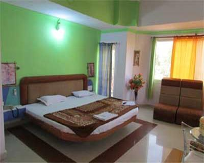 Executive Honeymoon Suite AC Room, HOTEL PARK VIEW PACHMARHI - Budget Hotels in Pachmarhi