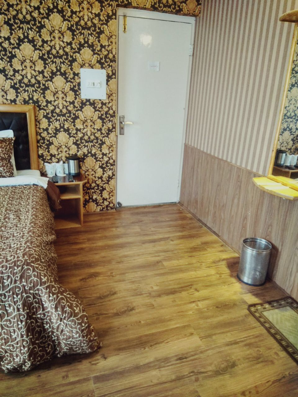Deluxe Room, FOREST HILL RESORTS - Budget Hotels in Pahalgam