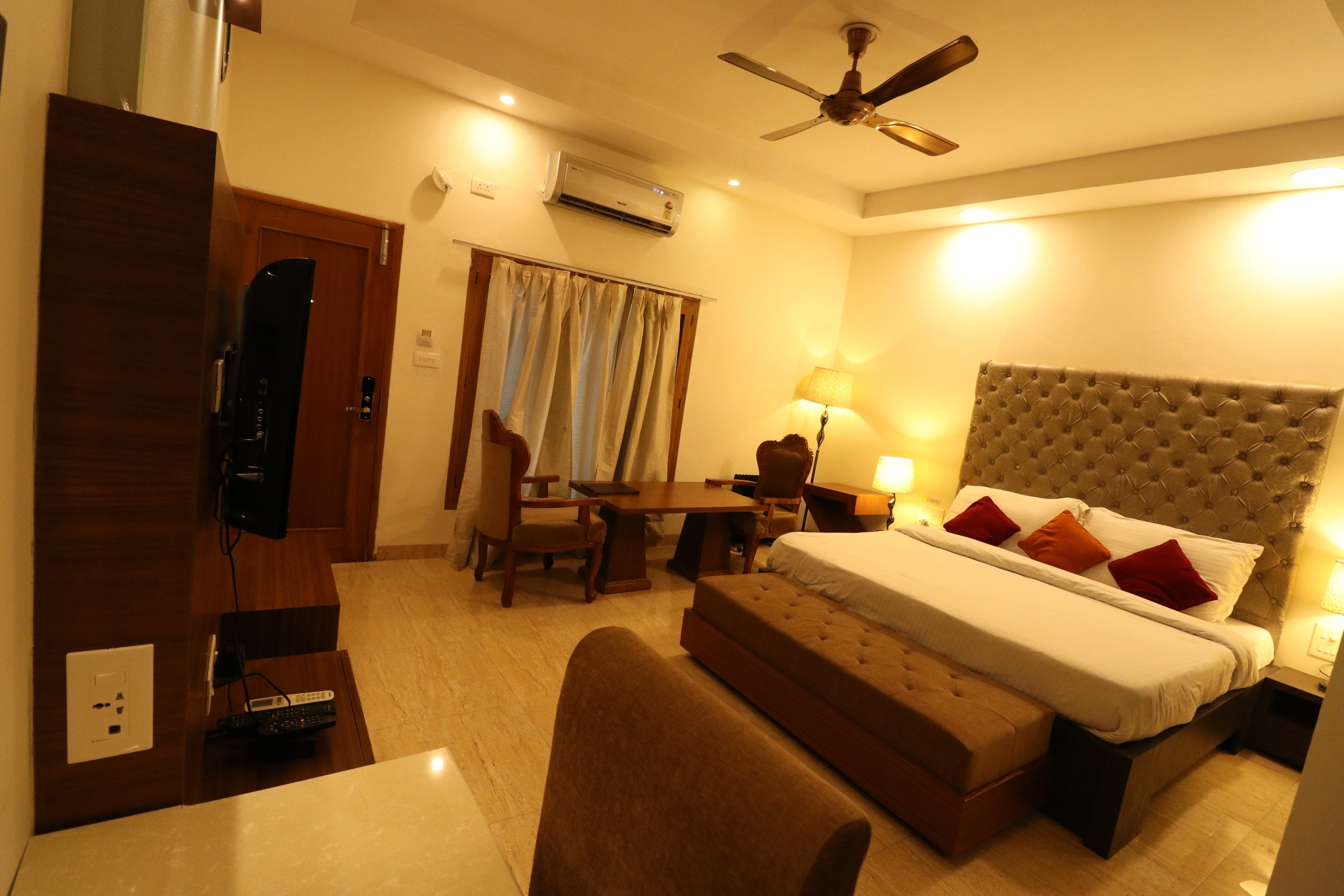 Luxury Room,                                     Hotel Mohan Continental Patiala - Budget Hotels in Patiala