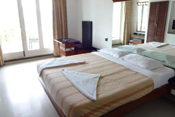 Superior Room, Lotus Bay View - Budget Hotels in Pondicherry