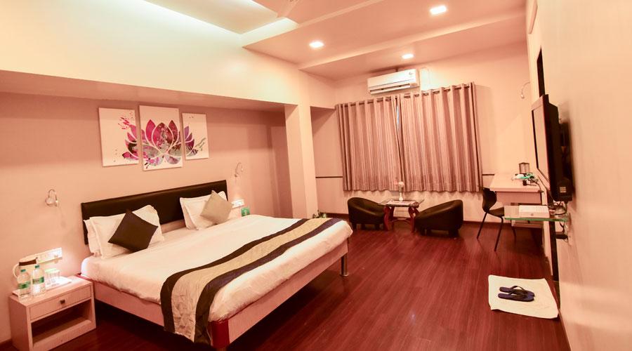 SUPER DELUXE AC,                                     HOTEL SAPNA PUNE - Budget Hotels in Pune