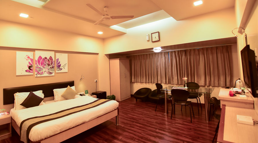 JUNIOR SUITE AC,                                     HOTEL SAPNA PUNE - Budget Hotels in Pune
