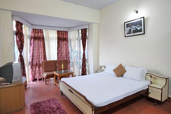 Deluxe Room with Breakfast, HOTEL PARWATI INN - Budget Hotels in Ranikhet