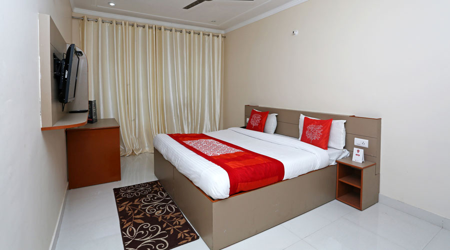 Deluxe Double Bed Room, HOTEL DEVOY INN RISHIKESH - Budget Hotels in Rishikesh