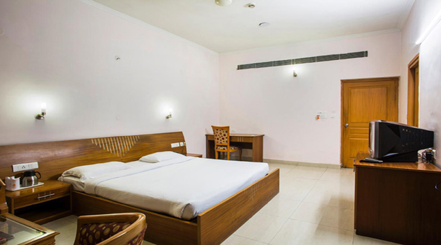 Royal Room on CP,                                     HOTEL SONIA - Budget Hotels in Rudrapur