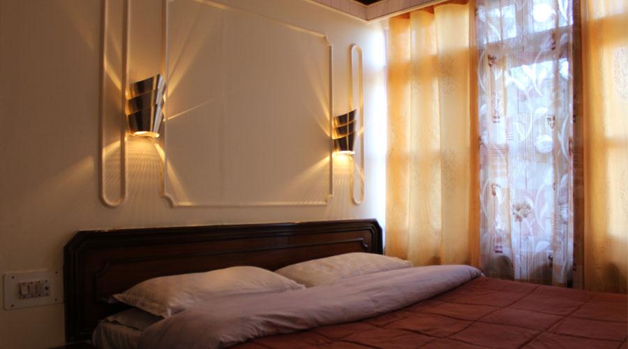 Triple Bedded Room, HOTEL HILLTOP SHIMLA - Budget Hotels in Shimla