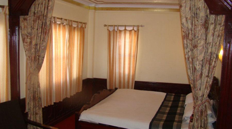 Deluxe Room, HOTEL HILLTOP SHIMLA - Budget Hotels in Shimla