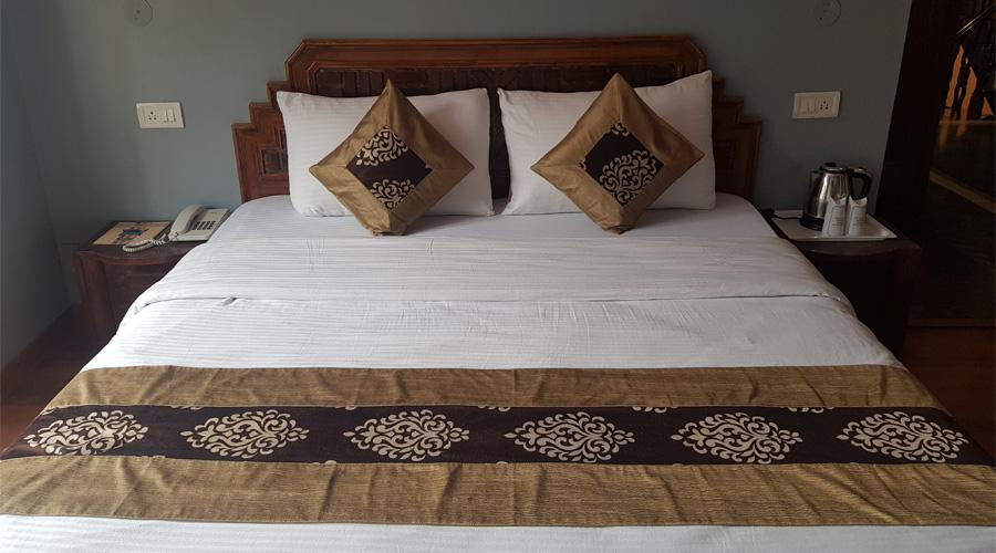 Deluxe Room | AP (Breakfast, Lunch & Dinner Included), HOTEL SILVERINE - Budget Hotels in Shimla