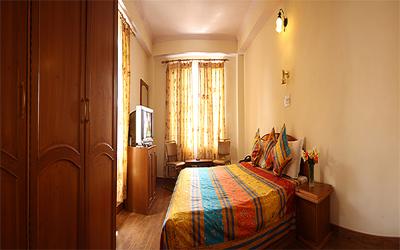 Deluxe Room (Room Only), Hotel Deepwoods - Budget Hotels in Shimla