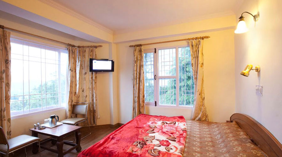 3 Beded Room Apartment, SHIMLA HOLIDAY APARTMENT - Budget Hotels in Shimla