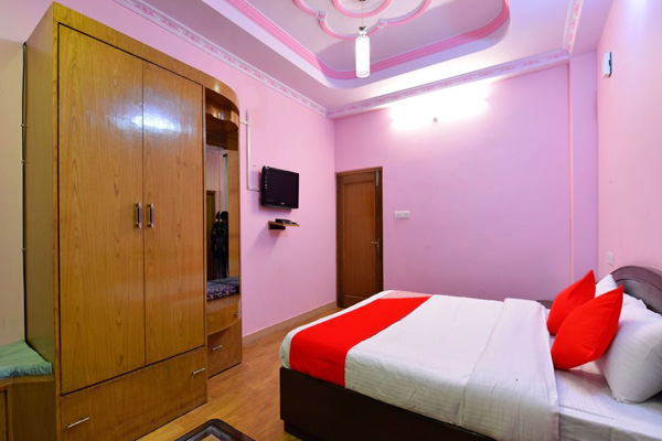 Deluxe Room,                                     Hotel Himalayan Escape Kufri Chail Road Shimla - Budget Hotels in Shimla