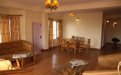 3 Bed Room Apartment, Hotel Deepwoods - Budget Hotels in Shimla