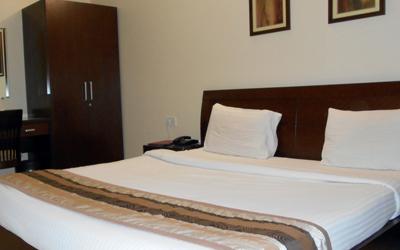 Deluxe Suite, HOTEL REEVA SUITES - Budget Hotels in Shirdi