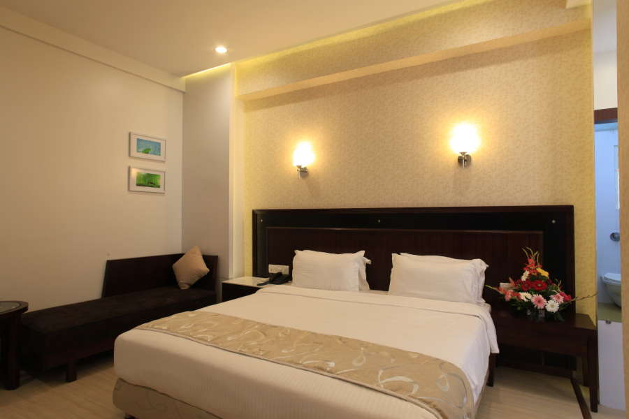 Deluxe Room on CP, HOTEL SAI MAHAL - Budget Hotels in Shirdi