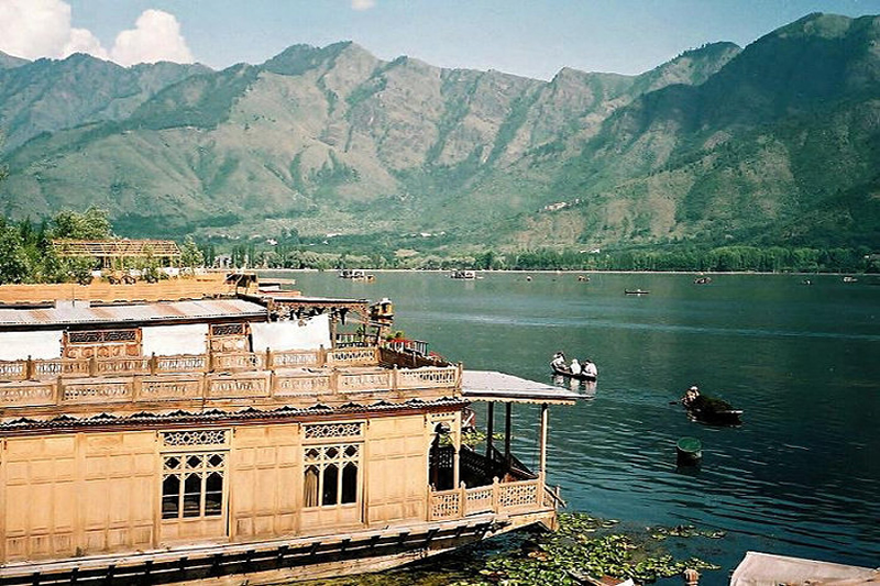 Superior 5 Night /6 Days Package (2 Person), WANGNOO HOUSEBOATS SRINAGAR - Budget Hotels in Srinagar