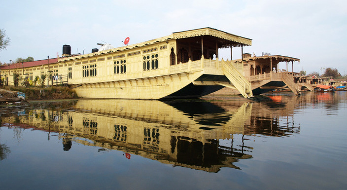 Superior 2 Night /3 Days Package (4 Person), WANGNOO HOUSEBOATS SRINAGAR - Budget Hotels in Srinagar