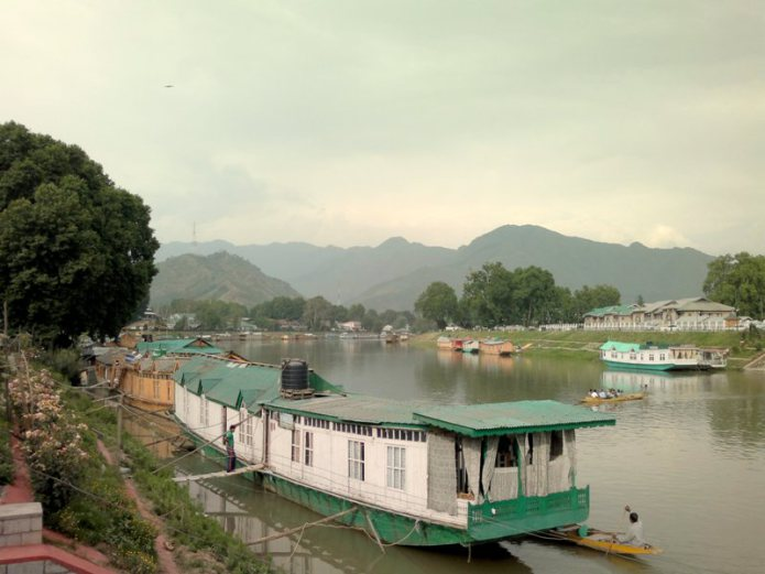 Standard 4 Night /5 Days Package (6 Person), WANGNOO HOUSEBOATS SRINAGAR - Budget Hotels in Srinagar
