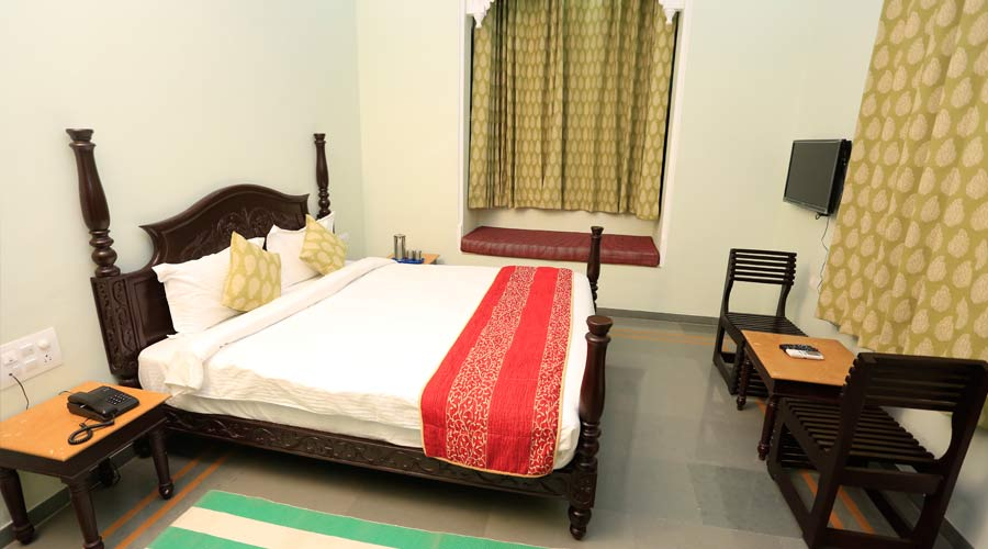 Super Deluxe Mountain Facing, SAI PALACE UDAIPUR - Budget Hotels in Udaipur